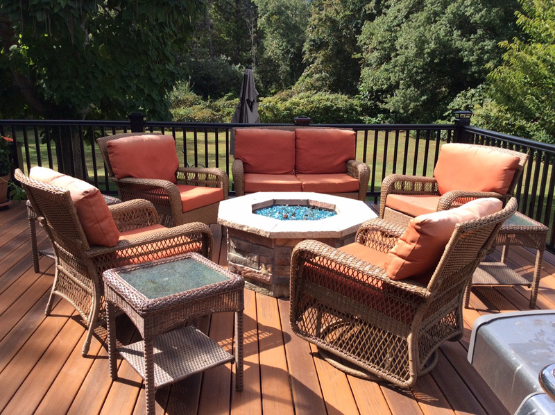 Stello Construction, Inc. Builders and Remodeling - Outdoor Deck/Living Space