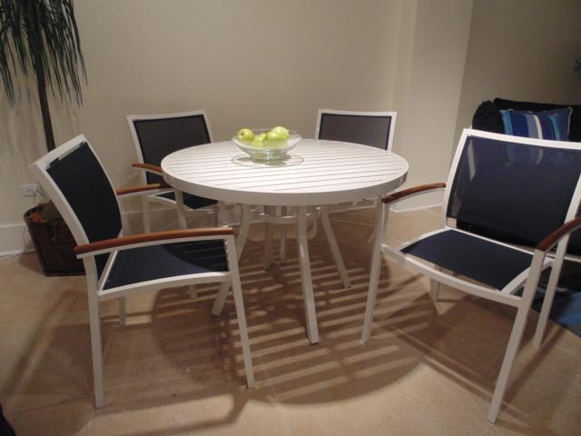 Dining Set | Lloyd Flanders