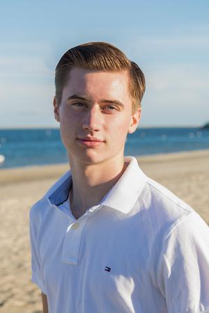 Andrew Grattan, Salesperson